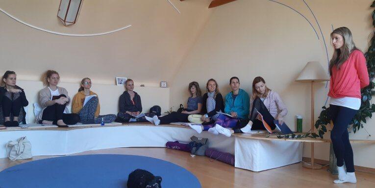 Vzdelávanie učiteľov jogy – ako prebieha vzdelávací víkend